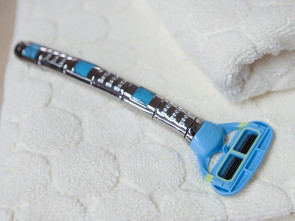 Razor 3 Line Jewel with Turquoise Stone
